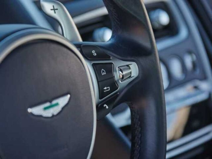 Aston Martin DB11 V12 Coupé AML Special#Bodypack Black Ultramarine Black (AML Special - 10