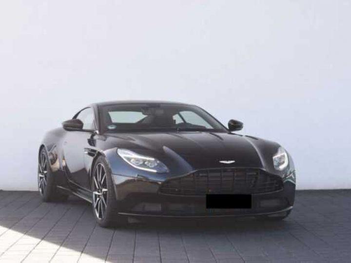 Aston Martin DB11 V12 PACK AMR PERFORMANCE Onyx Black métal - 2