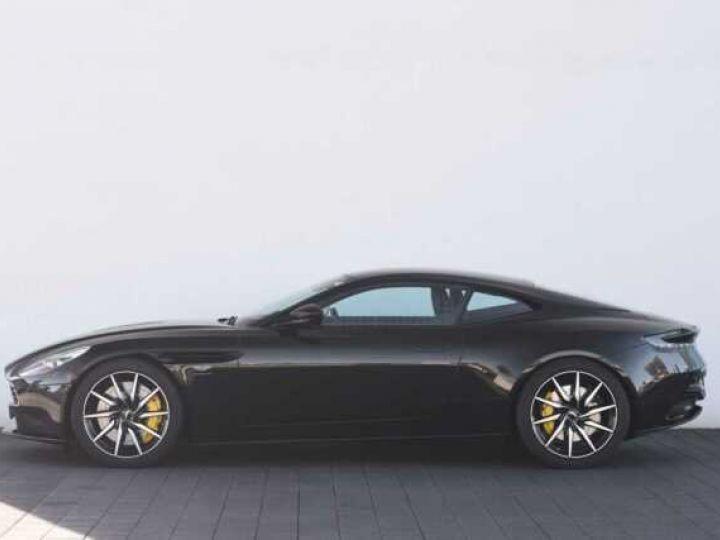 Aston Martin DB11 V12 PACK AMR PERFORMANCE Onyx Black métal - 3