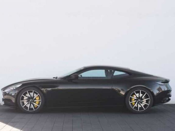 Aston Martin DB11 V12 # PACK AMR Performance Onyx Black métal - 2