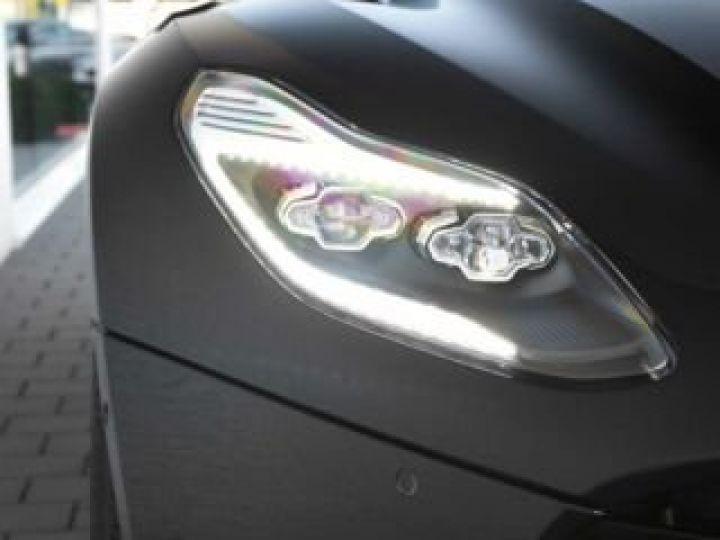 Aston Martin DB11 V12 # PACK AMR Performance Onyx Black métal - 11