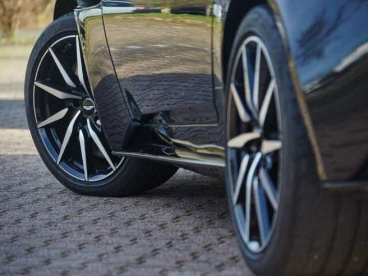 Aston Martin DB11 V12 TOUCHTRONIC III 8 rapports# Bodypack Black Ultramarine Black - 7