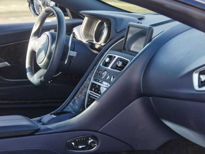 Aston Martin DB11 V12 TOUCHTRONIC III 8 rapports# Bodypack Black Ultramarine Black - 8