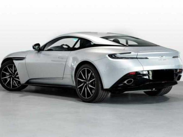 Aston Martin DB11 V8 Lightning Silver métal - 2