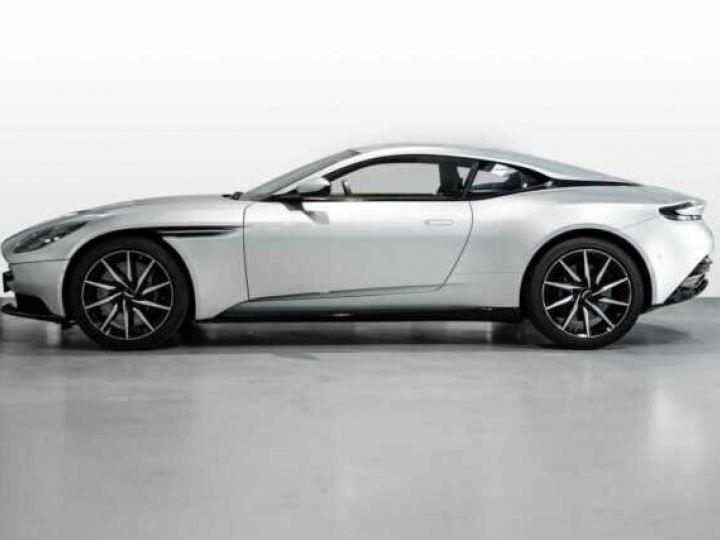 Aston Martin DB11 V8 Lightning Silver métal - 3
