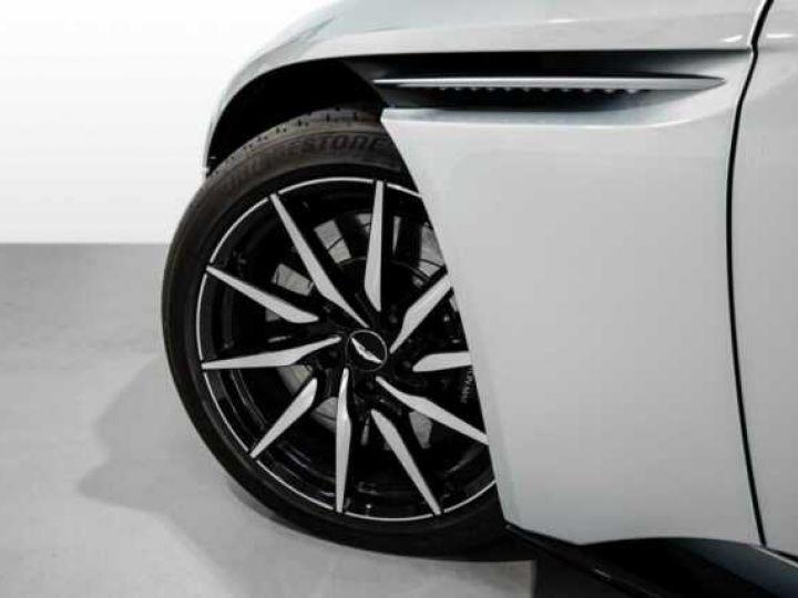 Aston Martin DB11 V8 Lightning Silver métal - 4