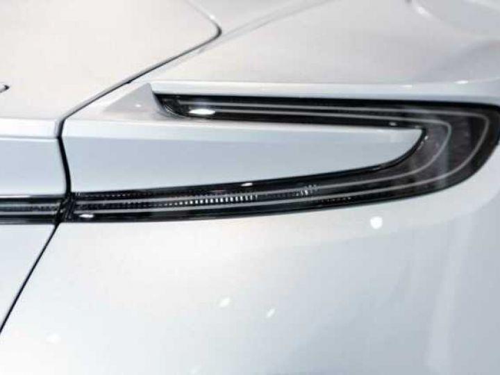 Aston Martin DB11 V8 Lightning Silver métal - 9