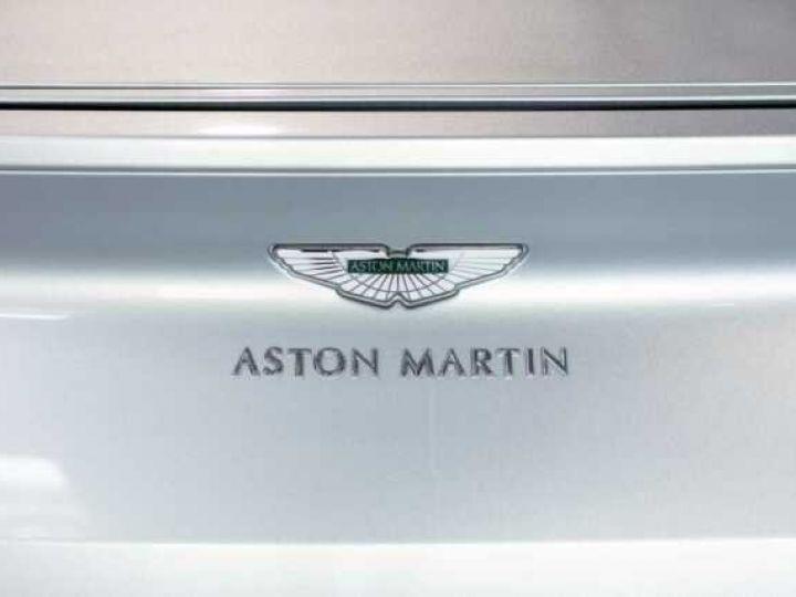 Aston Martin DB11 V8 Lightning Silver métal - 14