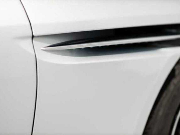 Aston Martin DB11 V8 Lightning Silver métal - 20