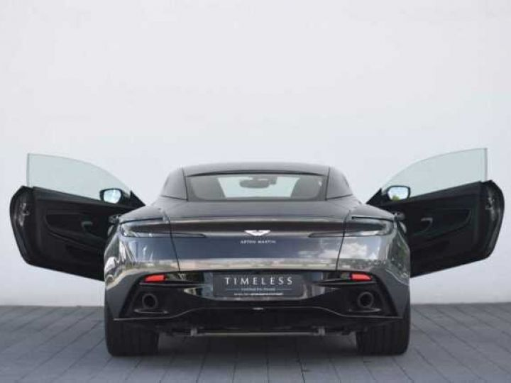 Aston Martin DB11 V8 Magnetic Silver métal - 8