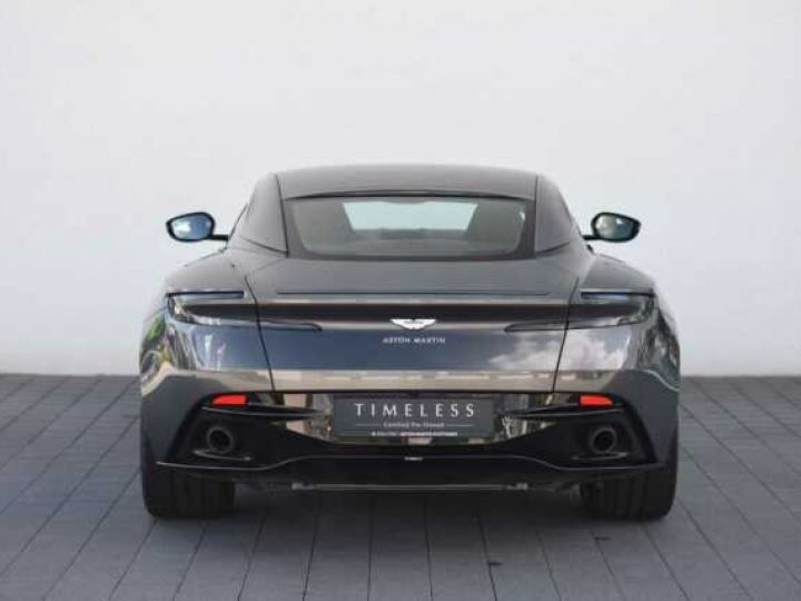 Aston Martin DB11 V8 Magnetic Silver métal - 9