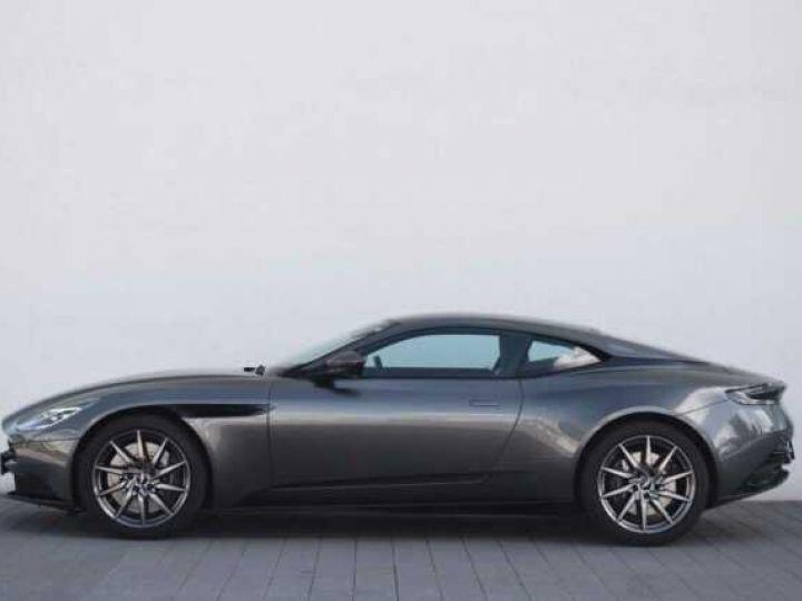 Aston Martin DB11 V8 Magnetic Silver métal - 10