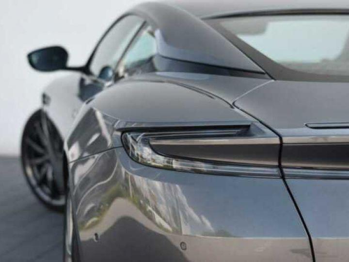 Aston Martin DB11 V8 Magnetic Silver métal - 11
