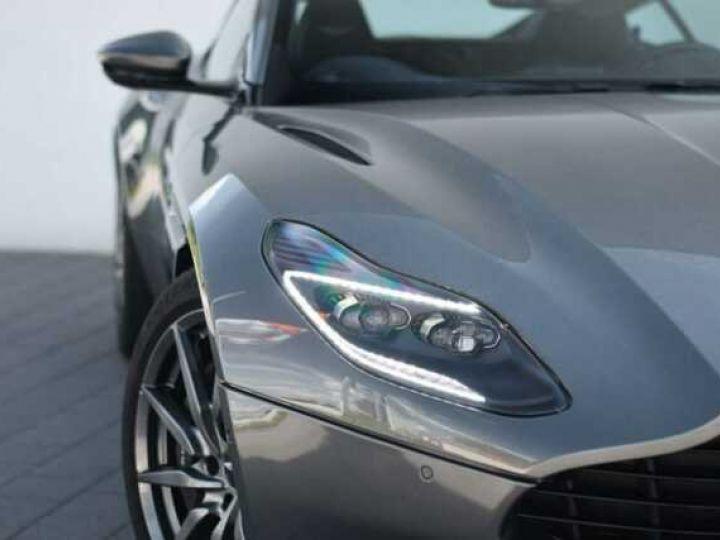 Aston Martin DB11 V8 Magnetic Silver métal - 12