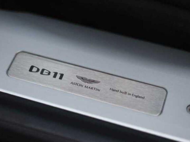 Aston Martin DB11 V8 Magnetic Silver métal - 18