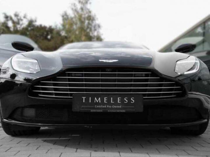 Aston Martin DB11 V8 Onyx Black - 4