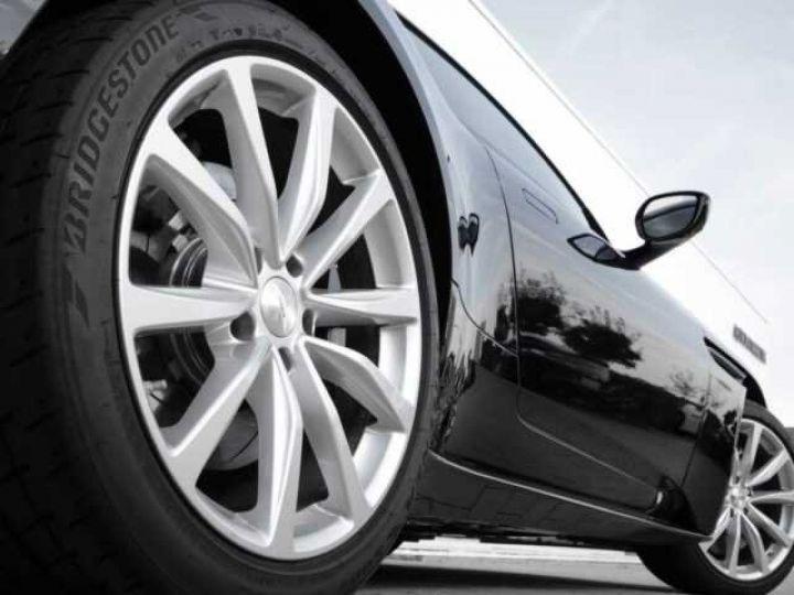 Aston Martin DB11 V8 Onyx Black - 6