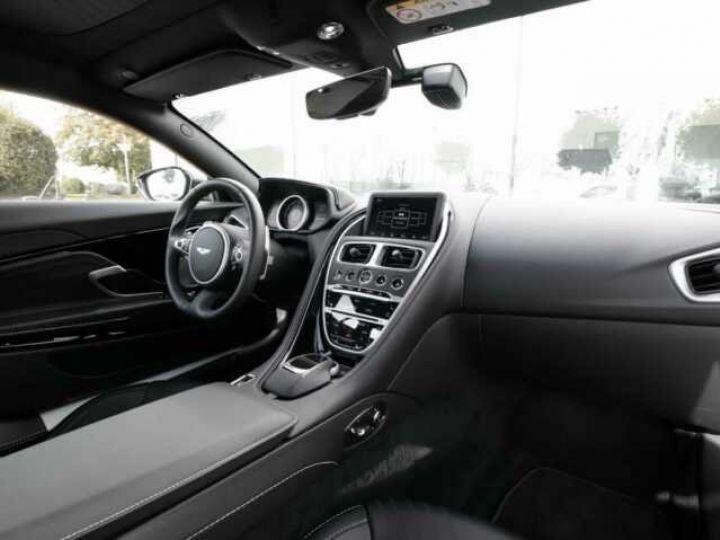 Aston Martin DB11 V8 Onyx Black - 8