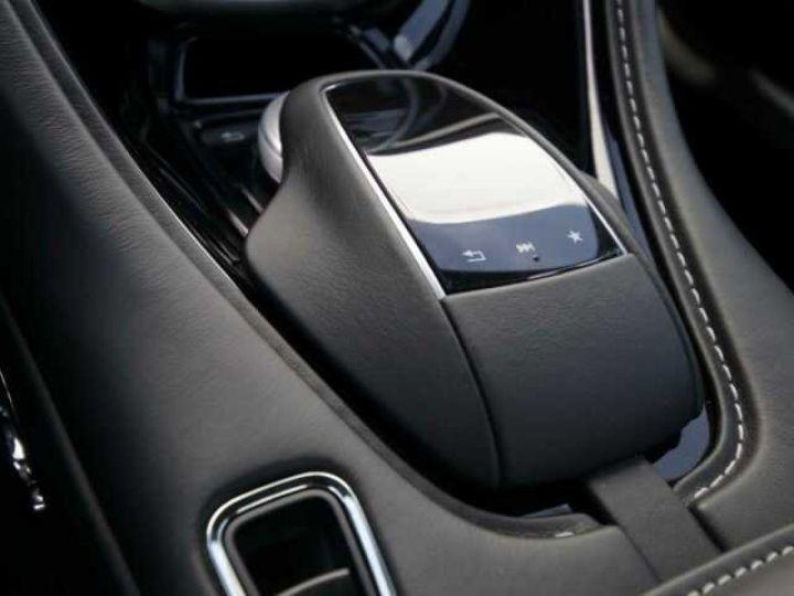 Aston Martin DB11 V8 Onyx Black - 16