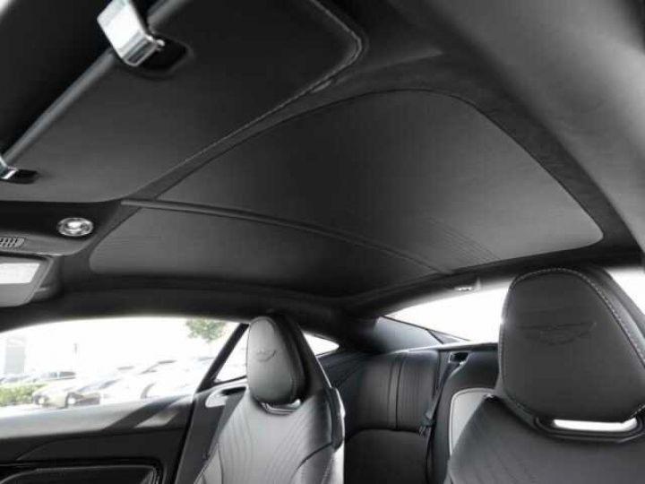 Aston Martin DB11 V8 Onyx Black - 18