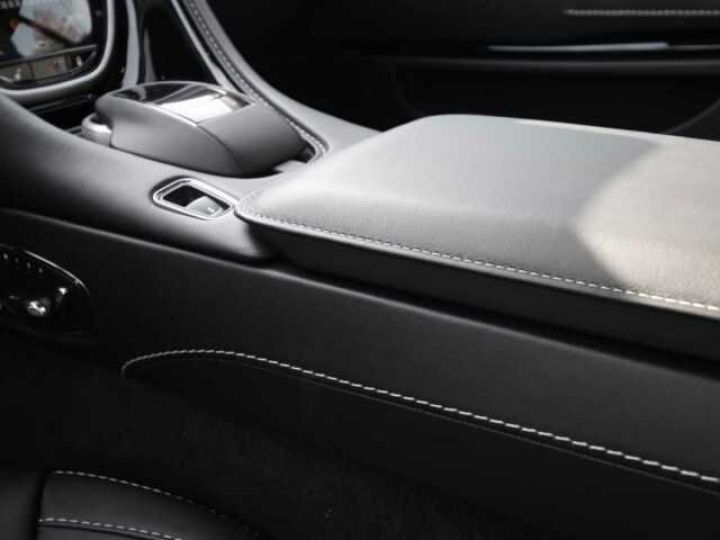 Aston Martin DB11 V8 Onyx Black - 19