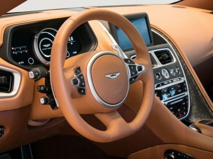 Aston Martin DB11 V8 4.0 Magnetic silver - 4