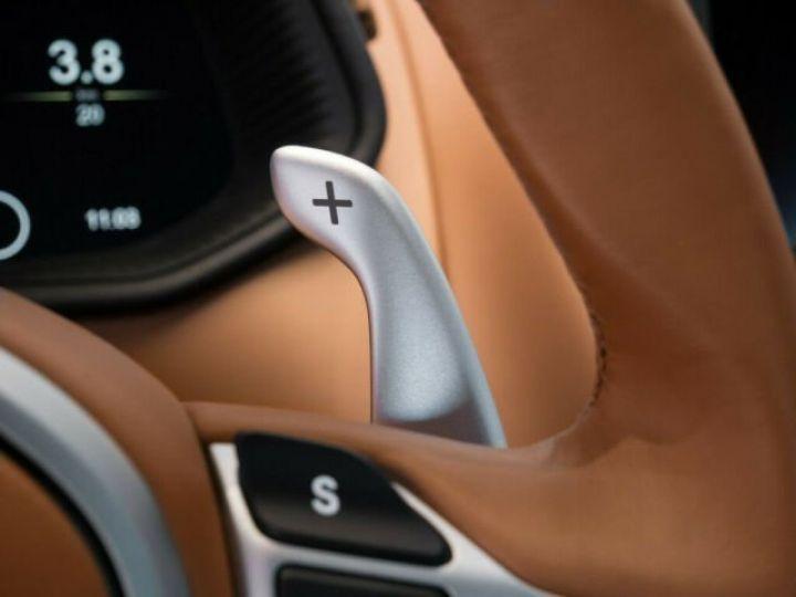Aston Martin DB11 V8 4.0 Magnetic silver - 9