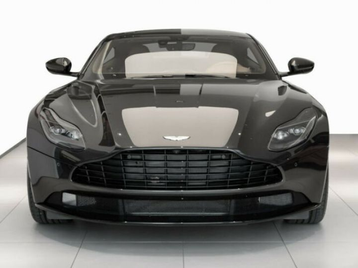 Aston Martin DB11 V8 4.0 Magnetic silver - 10