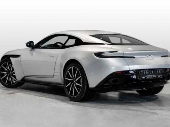 Aston Martin DB11 V8 # BODYPACK BLACK # Lightning Silver métal - 2