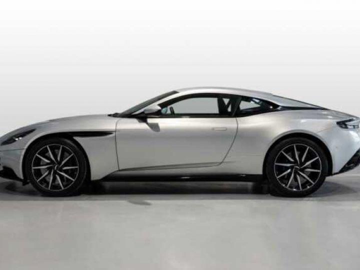 Aston Martin DB11 V8 # BODYPACK BLACK # Lightning Silver métal - 3