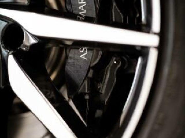 Aston Martin DB11 V8 # BODYPACK BLACK # Lightning Silver métal - 11
