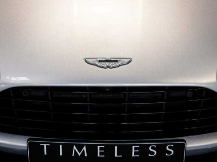 Aston Martin DB11 V8 # BODYPACK BLACK # Lightning Silver métal - 14