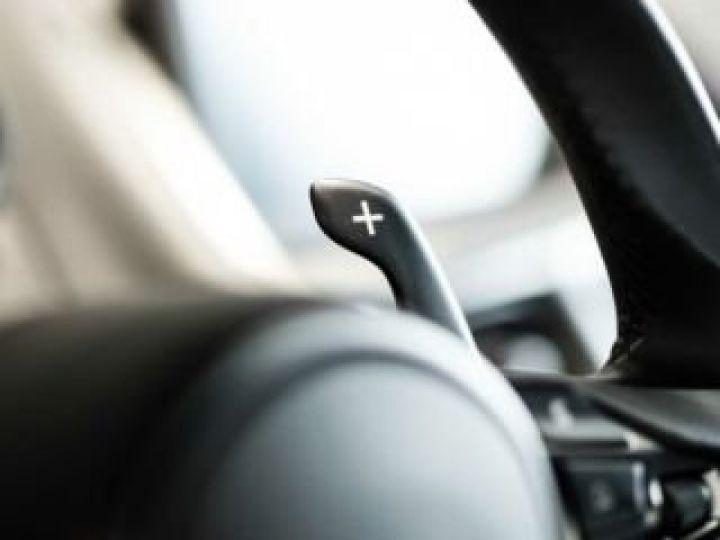 Aston Martin DB11 V8 # BODYPACK BLACK # Lightning Silver métal - 18