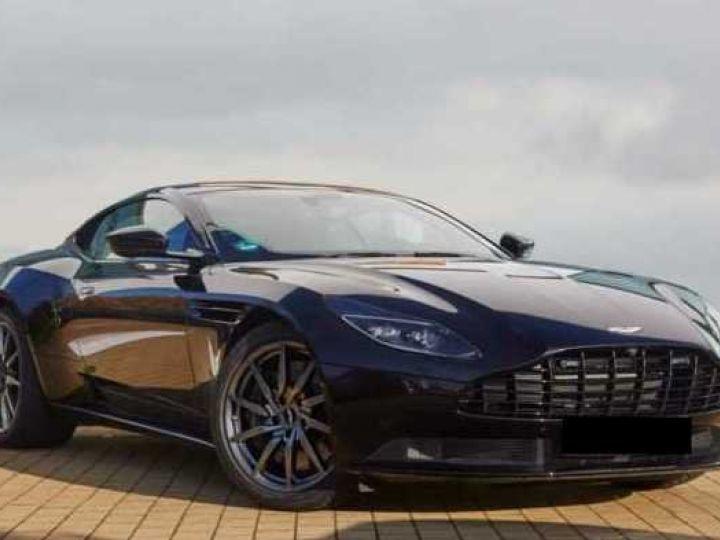 Aston Martin DB11 V8 # BODYPACK BLACK Onyx Black - 1