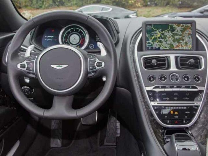 Aston Martin DB11 V8 # BODYPACK BLACK Onyx Black - 5