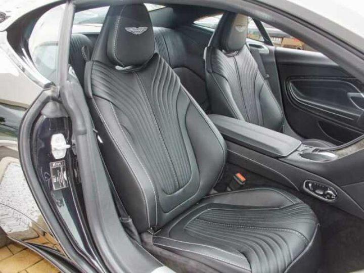 Aston Martin DB11 V8 # BODYPACK BLACK Onyx Black - 7