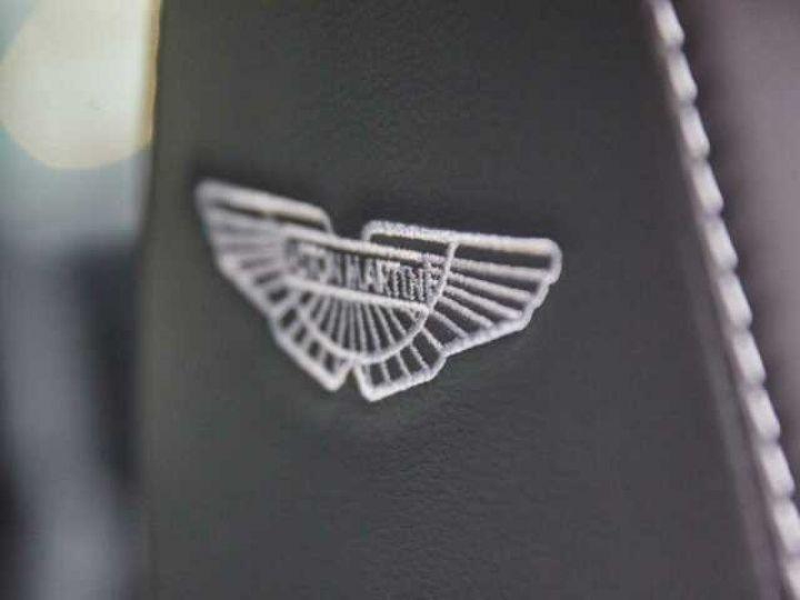Aston Martin DB11 V8 # BODYPACK BLACK Onyx Black - 10