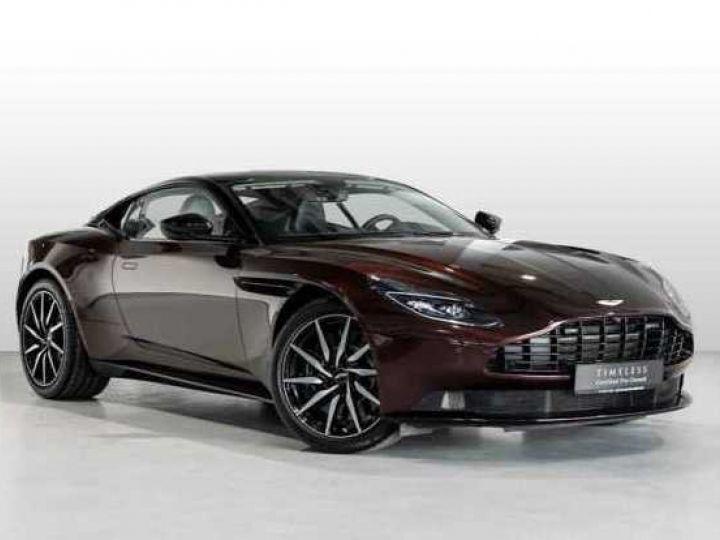 Aston Martin DB11 V8 Bodypack Black Divine Red - 1