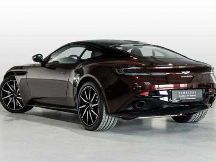 Aston Martin DB11 V8 Bodypack Black Divine Red - 2