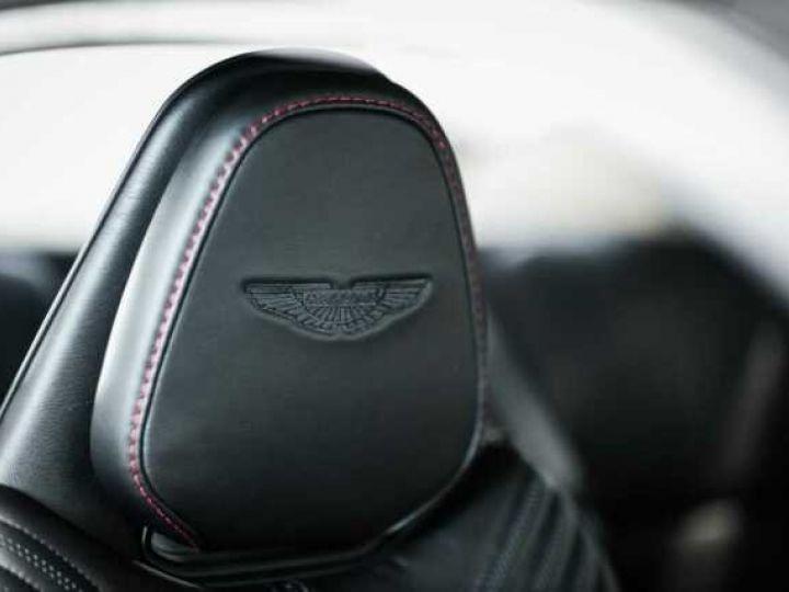 Aston Martin DB11 V8 Bodypack Black Divine Red - 7