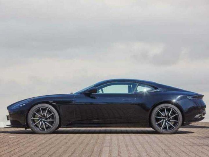 Aston Martin DB11 V8 EXTERIOR BLACK PACK Jet Black - 3