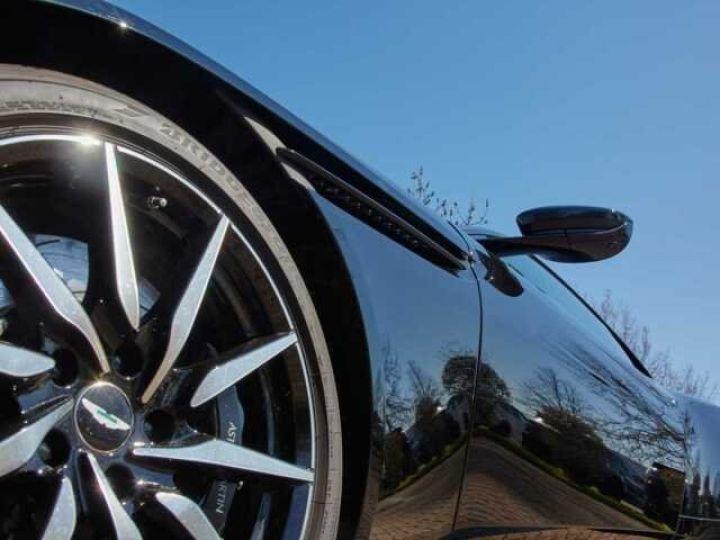 Aston Martin DB11 V8 EXTERIOR BLACK PACK Jet Black - 4