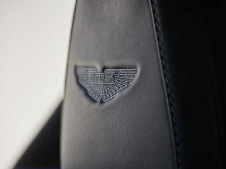 Aston Martin DB11 V8 EXTERIOR BLACK PACK Jet Black - 19