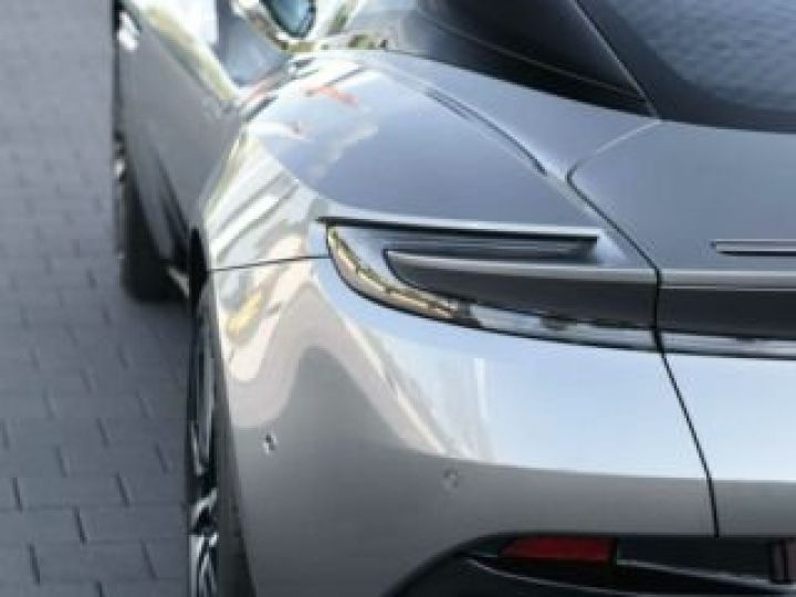 Aston Martin DB11 V8#PACK BLACK PLUS Tungsten Silver métal - 8