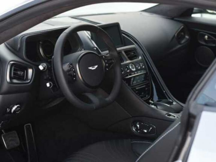 Aston Martin DB11 V8#PACK BLACK PLUS Tungsten Silver métal - 16