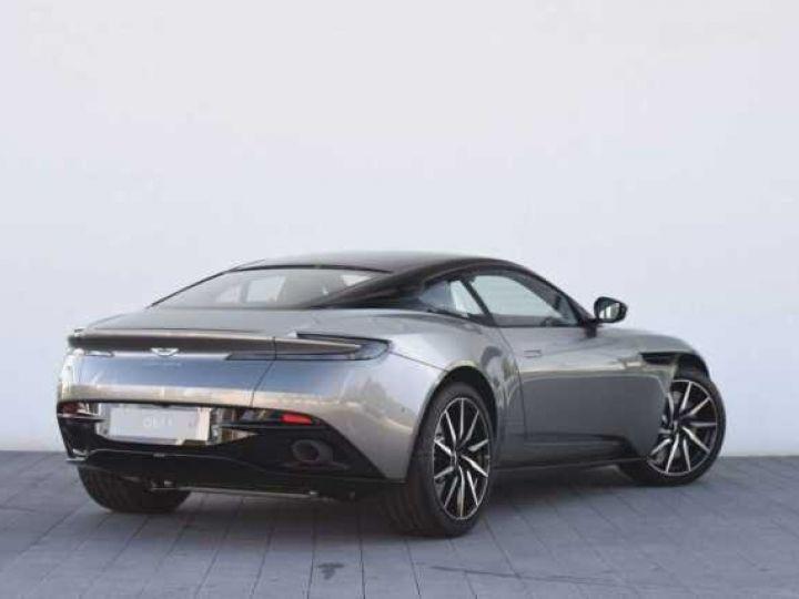 Aston Martin DB11 V8 #PACK BLACK PLUS#PACK TECHNOLOGY# Tungsten Silver métal - 3