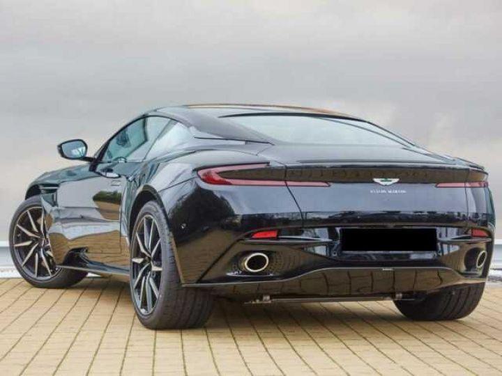 Aston Martin DB11 V8#Pack extérieur Black Onyx Black - 2