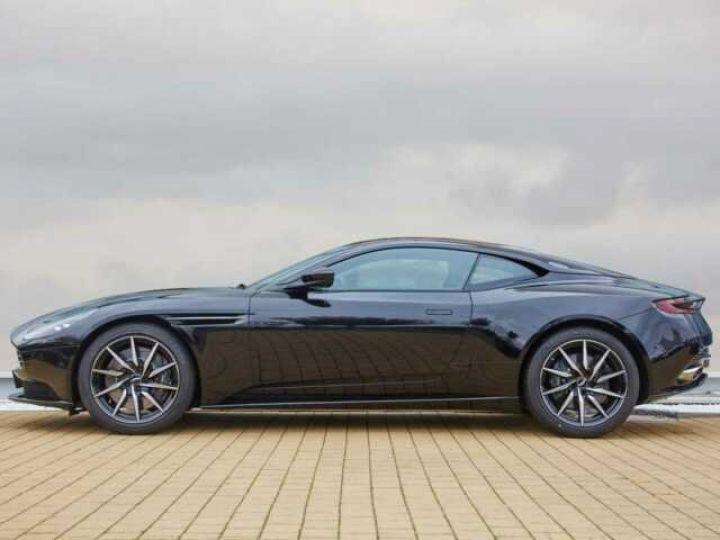 Aston Martin DB11 V8#Pack extérieur Black Onyx Black - 3