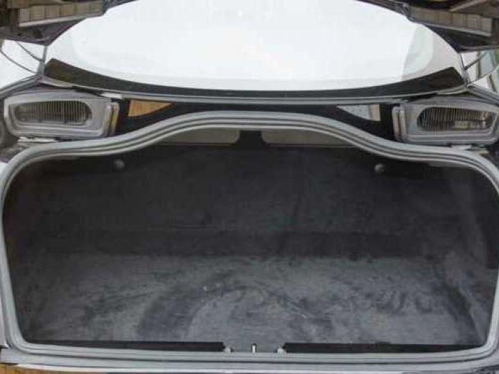 Aston Martin DB11 V8#Pack extérieur Black Onyx Black - 21