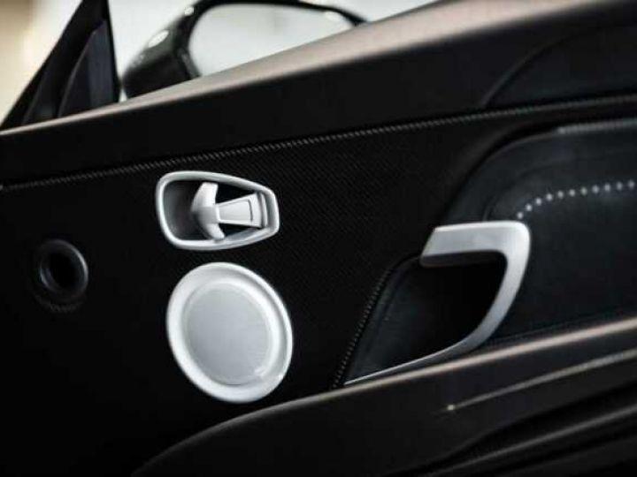 Aston Martin DB11 V8 VOLANTE Magnetic Siver métal - 10